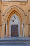 圣Stanislaus Kostka大教堂门户(1912)在罗兹 库存图片