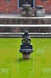 在一个公开喷泉的印度雕象 bhaktapur尼泊尔 免版税库存图片