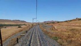 在一个农村场面的铁路轨道 股票录像