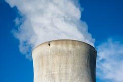 在一个冷却塔的云彩 免版税库存图片