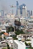在一个十层大厦的火在曼谷 免版税库存图片