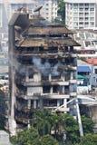 在一个十层大厦的火在曼谷 免版税库存照片