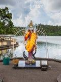 在一个印度寺庙盛大水池的雕象在毛里求斯海岛 免版税图库摄影