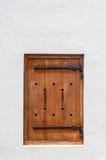 在一个历史的海角荷兰大厦的木舱口盖窗口 免版税库存图片