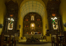 在一个古老葡萄牙教会里面 库存图片