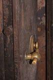 把柄和在老安全门的号码锁 库存图片