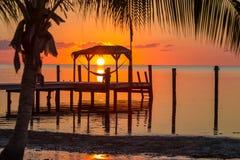 在一个吊床的日出在基韦斯特岛,佛罗里达 免版税图库摄影