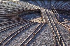 在一个圈子的火车轨道维护的 横穿连接点光透视图铁路运输铁路业务量培训 库存照片