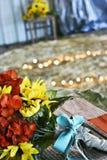在一个土气主题的婚礼的婚姻的花束 库存图片