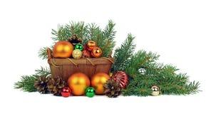 在一个土气样式的圣诞节装饰 查出 库存照片