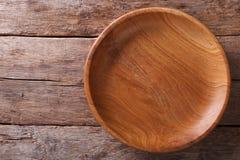 在一个土气桌特写镜头的木板材 水平的顶视图 免版税库存照片