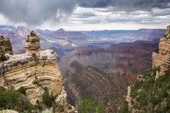 在一个夏天雨天期间,大峡谷国家公园,亚利桑那,美国 免版税库存照片