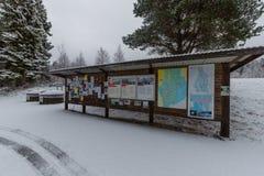 在一个多雪的休息区的插脚板在菲利普斯塔德附近 免版税库存照片