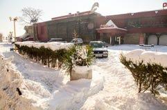 在一个多雪的堤防波摩莱,保加利亚,冬天的比赛俱乐部 免版税库存照片