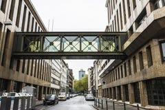 在一个大厦的现代走廊在杜塞尔多夫,德国 免版税库存图片