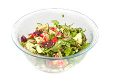 在一个大玻璃碗的菜沙拉 免版税库存图片