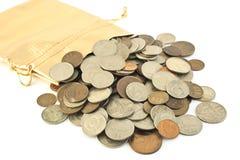 在大袋的老硬币 免版税库存图片