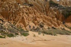在一个大西洋葡萄牙海滩的砂岩形成 免版税库存照片