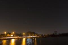 在一个安静的湖的星 库存照片