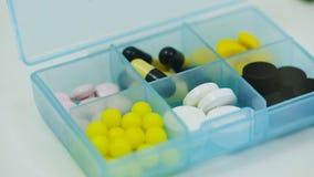 在一个容器的药片片剂的 影视素材