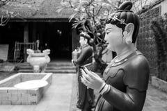 在一个寺庙的一个雕象在河内 免版税库存图片