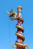 在一个寺庙的中国龙在泰国 免版税库存图片
