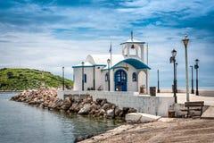 在一个小希腊海岛上的教堂 库存照片