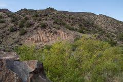 在一个山坡的锋利渐近的岩石在新墨西哥 库存图片