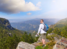 在一个岩石在国家公园在葡萄牙 免版税库存图片