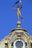 在一个市政厅在布鲁塞尔大广场,布鲁塞尔的雕塑 库存图片
