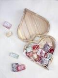 在一个心形的箱子的土耳其快乐糖 库存图片