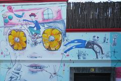 在一个房子的街道艺术在布宜诺斯艾利斯在阿根廷 免版税图库摄影
