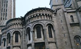 在一个教会的面貌古怪的人在法国 免版税库存图片