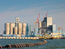 被修造的新的燃煤发电厂 免版税库存照片