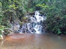 在一个旅舍区域里面的瀑布在巴西 库存照片