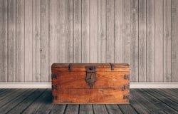 在一个木地板上的宝物箱 免版税图库摄影