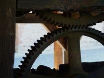 在一个木结构的老铁方式 图库摄影