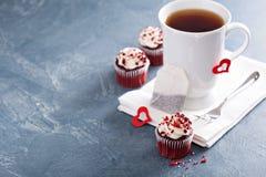 在一个杯子的茶为情人节 图库摄影
