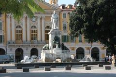 在一个正方形在尼斯,法国的喷泉 库存照片