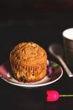 在一个浪漫集合的Dar松饼 免版税库存照片
