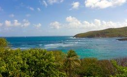 在一个海岛的迎风面的海景在加勒比 免版税库存图片