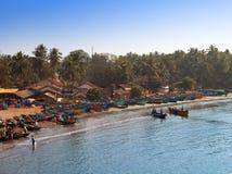 在一个海湾的渔船在2014年1月31日的Gokarna在卡纳塔克邦,印度。 库存图片