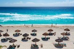 在一个海滩的活动在坎昆 免版税库存图片