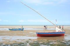 在一个海滩的DINGHYS在莫桑比克 库存照片