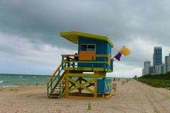 在一个海滩的救生员立场在劳德代尔堡佛罗里达 库存图片