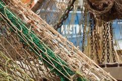 在一个渔船的捕鱼网 库存照片