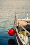 在一个渔船的捕鱼网 免版税图库摄影