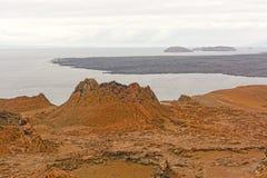 在一个火山岛上的飞溅声锥体 库存照片