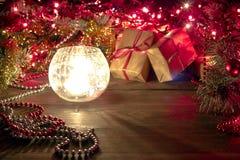 在一个烛台的蜡烛在圣诞节t透明背景  免版税库存图片