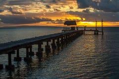 在一个热带海岛上的码头,假日风景 图库摄影